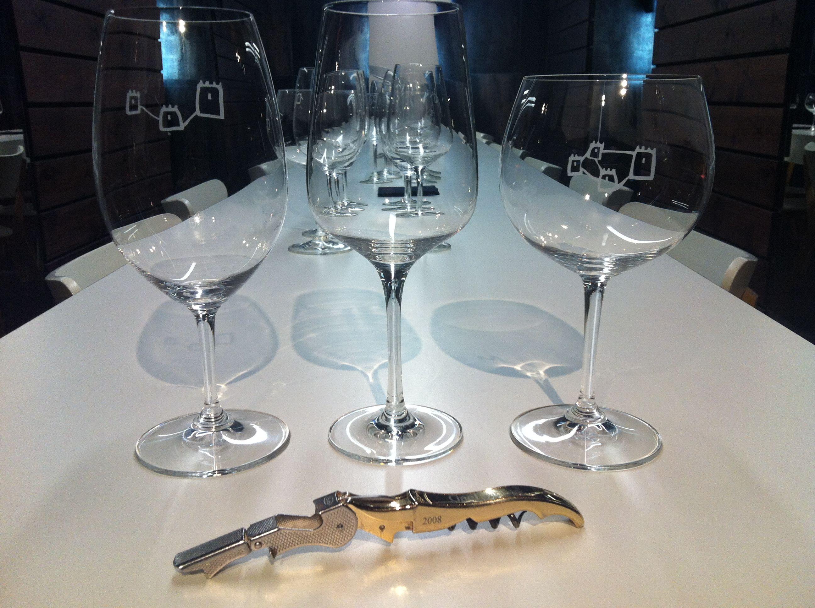 Catas de vinos en Barcelona.  Espai clos Mont-Blanc Barcelona.  www.catasalacarta.com  facebook.com/catasalacarta