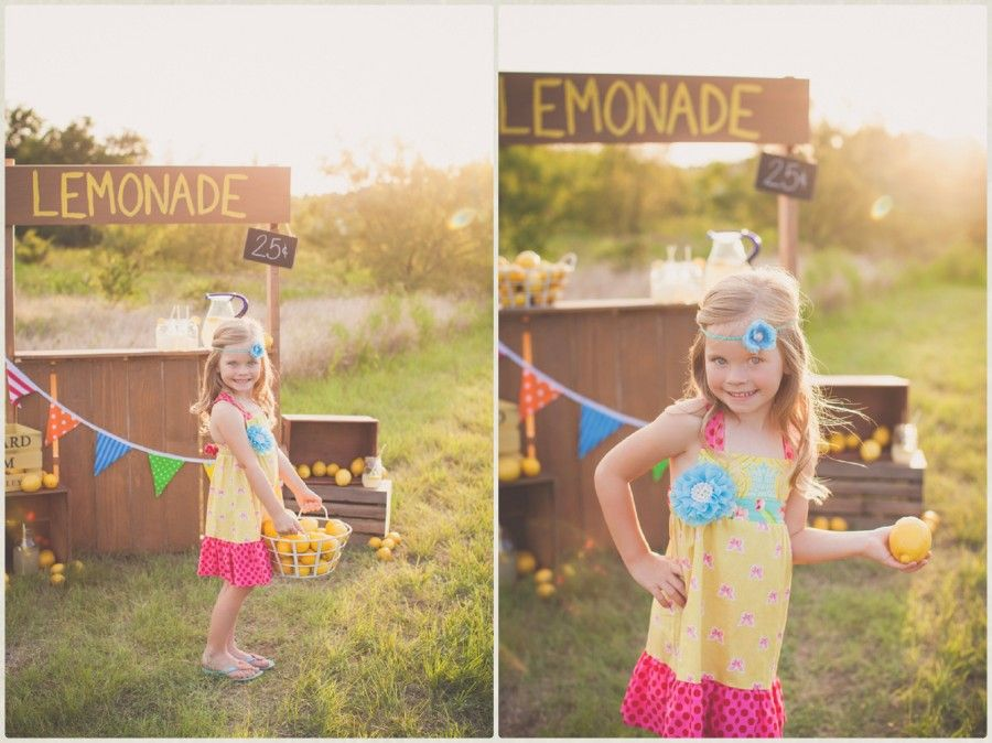 children pictures, mini session ideas, mini session themes, lemonade stand, what to wear for kid pictures, Captured by JennaLynn, Beyond the Wanderlust, Inspirational Photography Blog