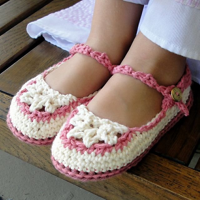 Toddler Mary Jane Slippers pattern by Genevive Hunter | Cosas para ...