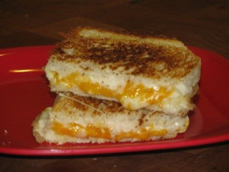 UNDER 250 CALORIE MEALS: Three Cheese Grilled Sandwich