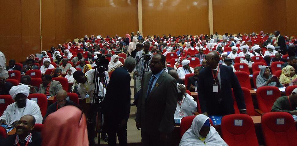 نائب رئيس الجمهورية يؤكد التزام الرئاسة بانفاذ توصيات مؤتمر رؤساء الجاليات السودانية بالخارج