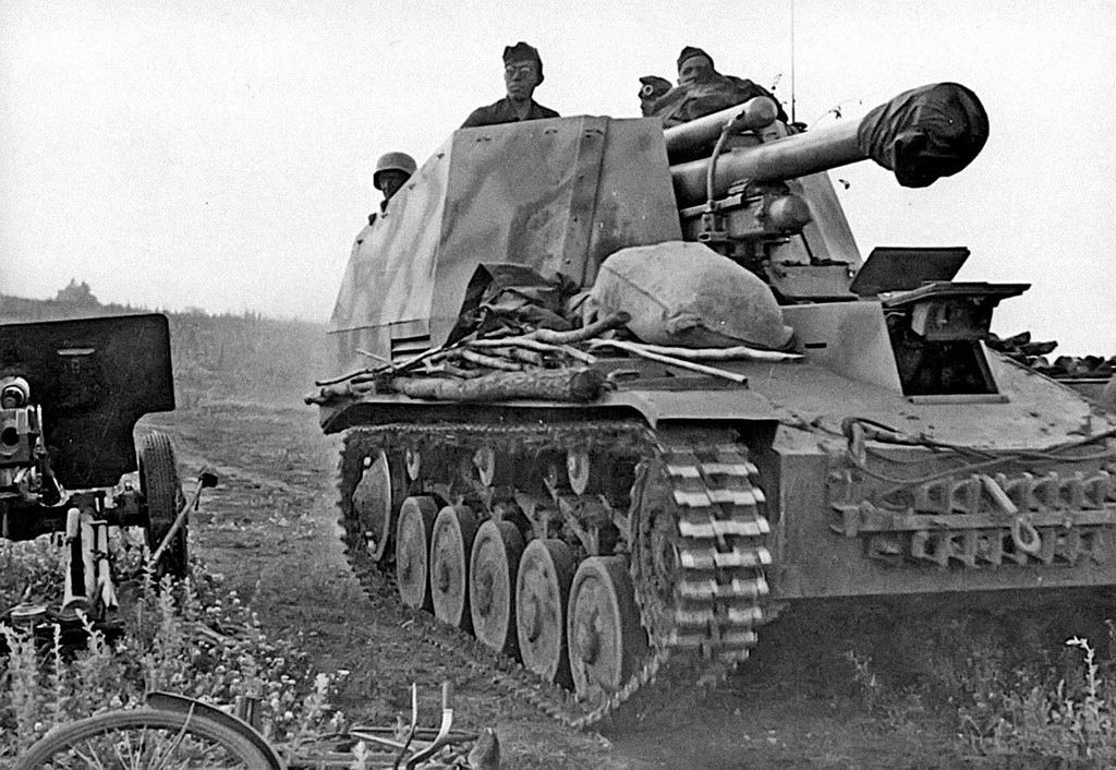 A Panzerbefehlswagen III, the command tank varient of the Panzer III. Early  models carried a fake gun, but later models mounted a 5cm piece.