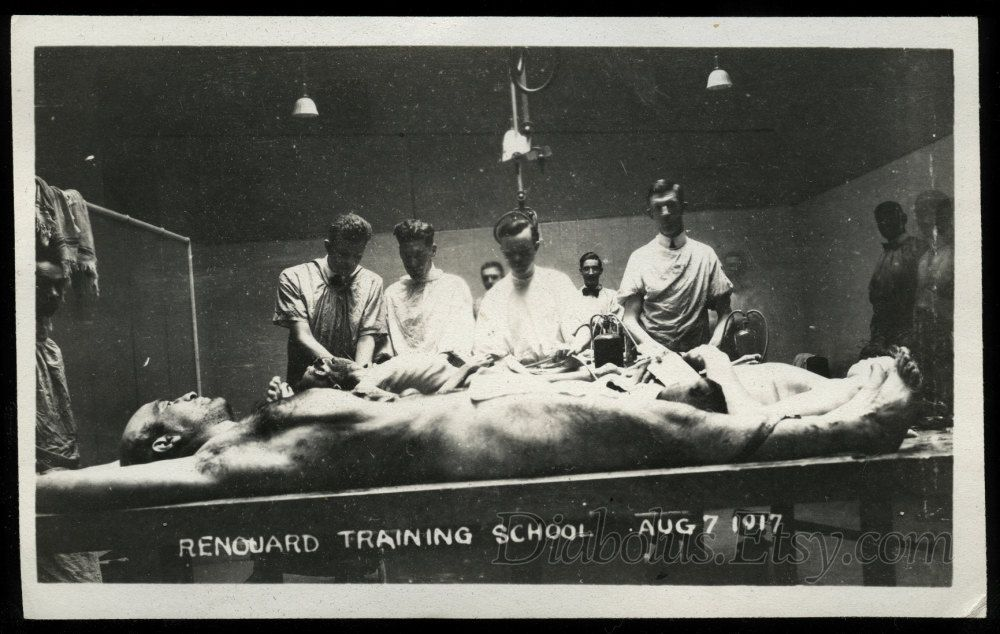 Creepy and Atmospheric Vintage Photo / NY Embalming Class