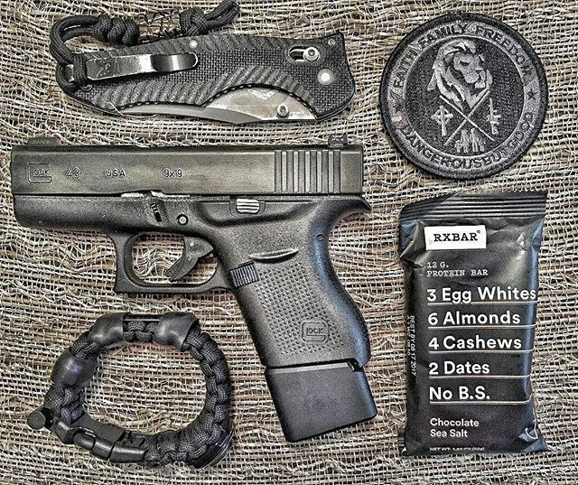 Ending the day with a little Faith, Family, Freedom on this Friday. With @superessestraps Survival Navigation Strap. #f3friday #faithfamilyfreedom #dbg #dangerousbutgood #glock #glock43 #concealedcarry #supportthesecond #pewpewlife #thesheepdogdefenseproject #glockfeed #superessestraps #rxbar #benchmade #contigo #knifecommunity #igmilitia #knifenut #tarantactical #tacticalcarry #2a #girlswhoshoot #Repost @wanderlustbetty19