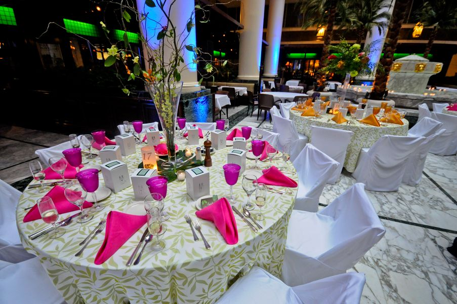 Ideas For The Tropical Themed Wedding