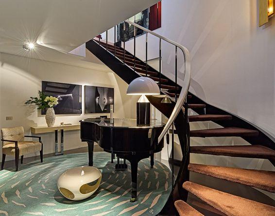 ESPAÇOS PRIVADOS - O I T O E M P O N T O - ARCHITECTURE \ INTERIORS - escalier interieur de villa