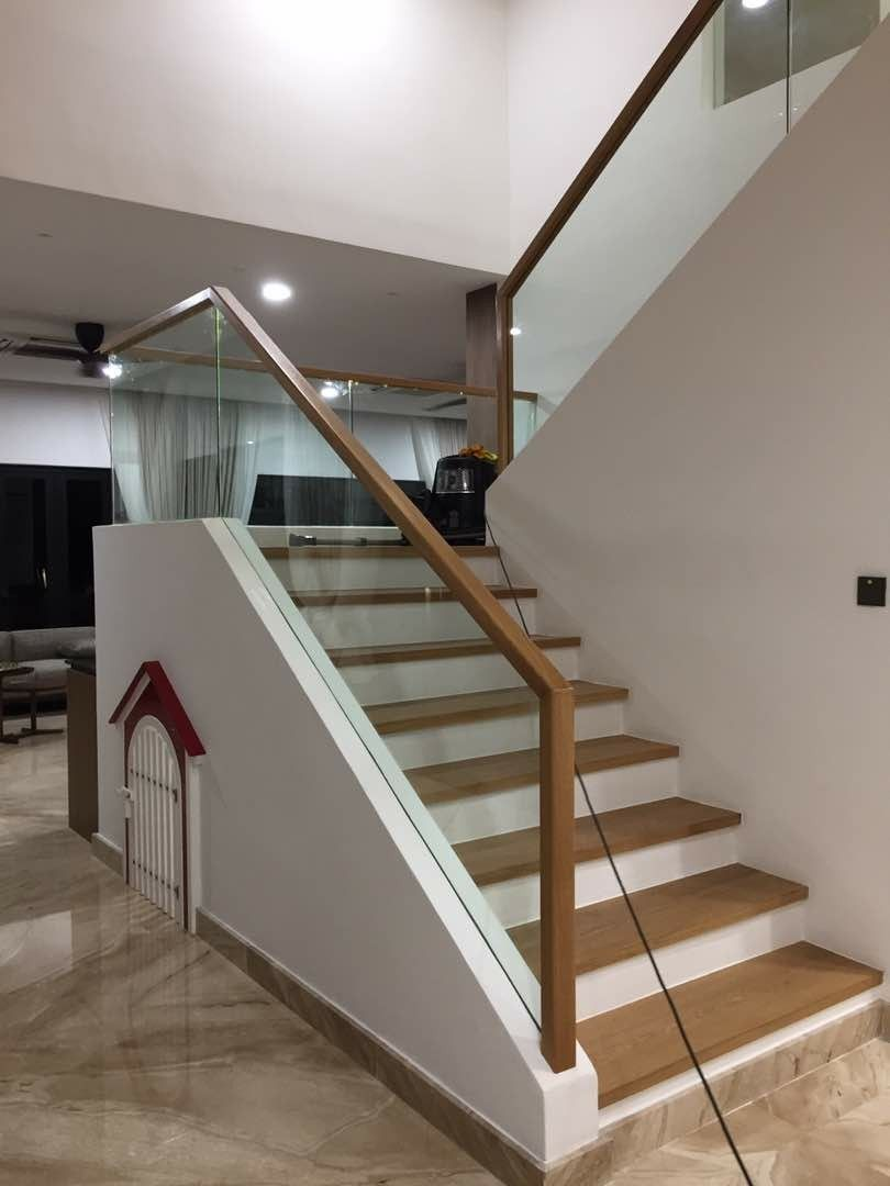 Best Staircase Railing With Oak Handle Staircase Design 640 x 480