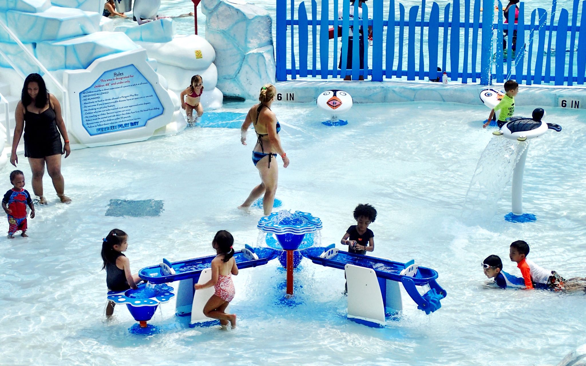 Check Out Camelback Lodge And Indoor Waterpark Interactive Water Table Perfect For Aquatopia S Little Explores T Water Park Indoor Waterpark Water Parks In Pa