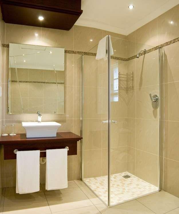 Arredo bagno per piccoli spazi - Bagno piccolo con doccia angolare ...