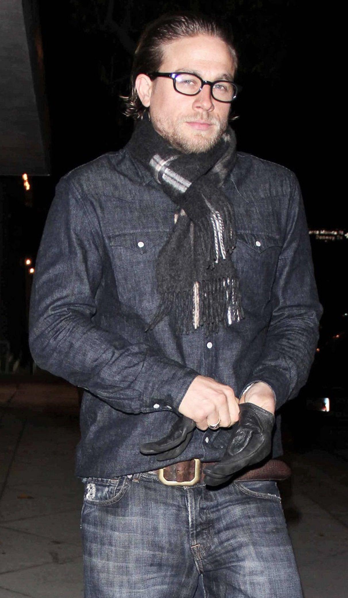 779e6d74b28 Charlie Hunnam wearing some Kurt sutter s glasses.