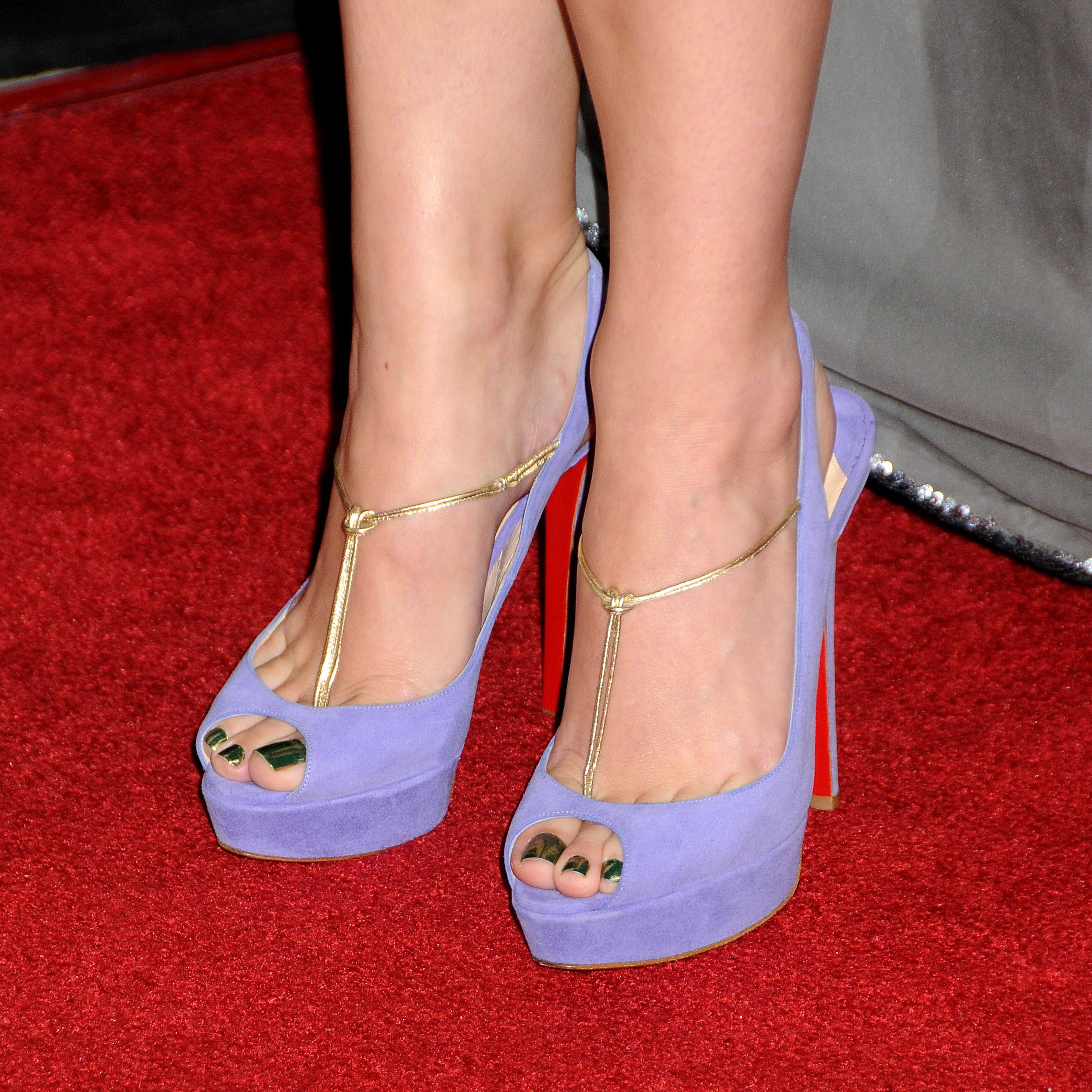 katy perry 39 s feet. Black Bedroom Furniture Sets. Home Design Ideas