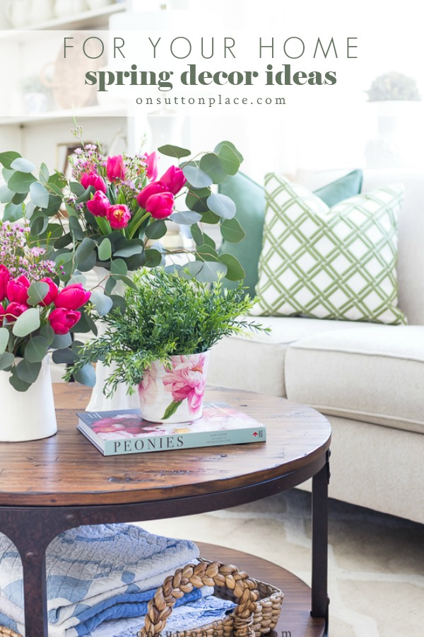 Easy & refreshing spring decor ideas that use unexpected colors, natural elements, and soft furnishings to add a fresh touch to any space. #spring #springdecor #springflowers #livingroom