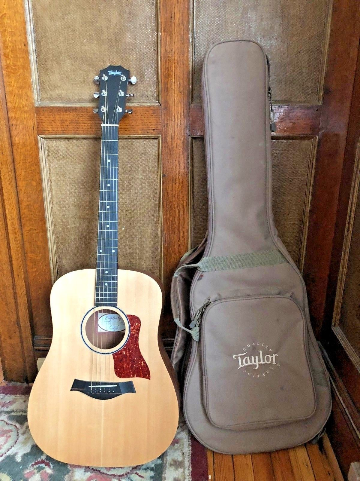 Guitar New Taylor Baby Acoustic Guitar W Gig Bag Please Retweet Acoustic Guitar For Sale Guitar Acoustic Guitar Photography