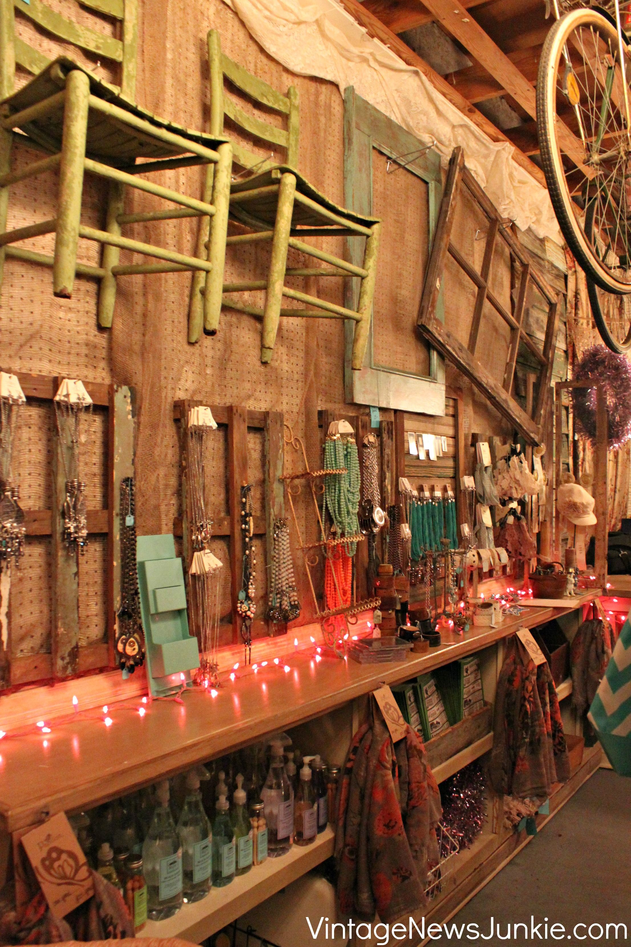 Dreamy Vintage Junk Shop Ideas For Decorating Your Own