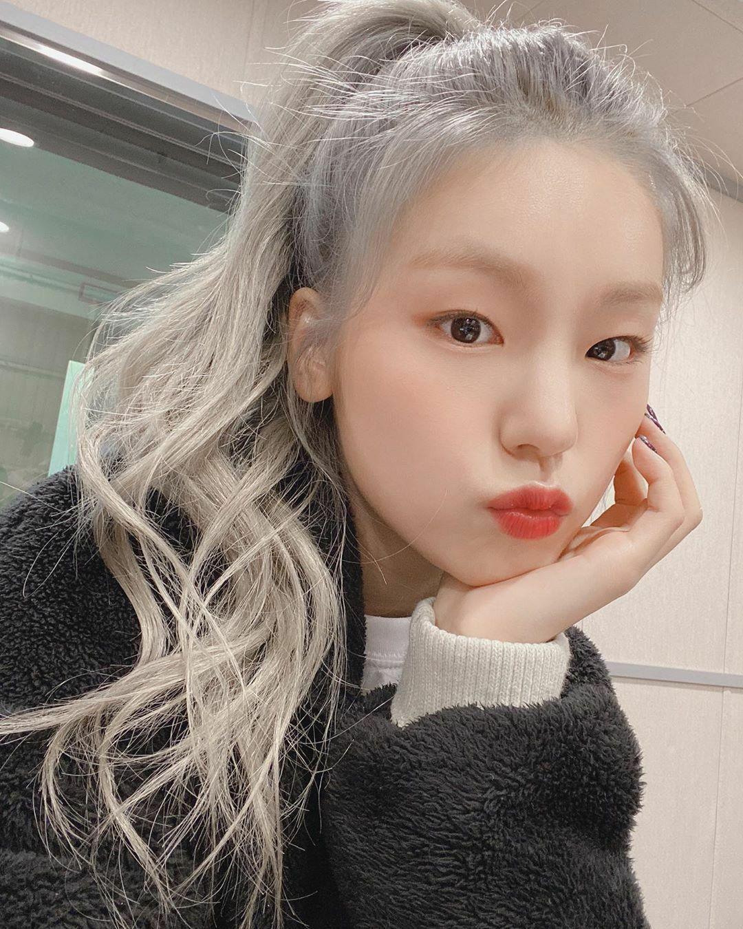 Girl Kpop Idols Aesthetic Girl Kpop Idols Kpop Meninas Coreanas Coreana