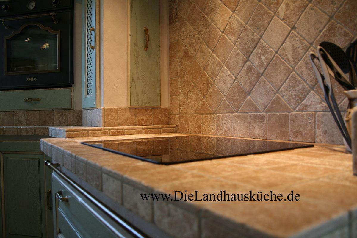 Villa Medici Aschheim villa medici edle landhausküche in pastelligen farben und einer