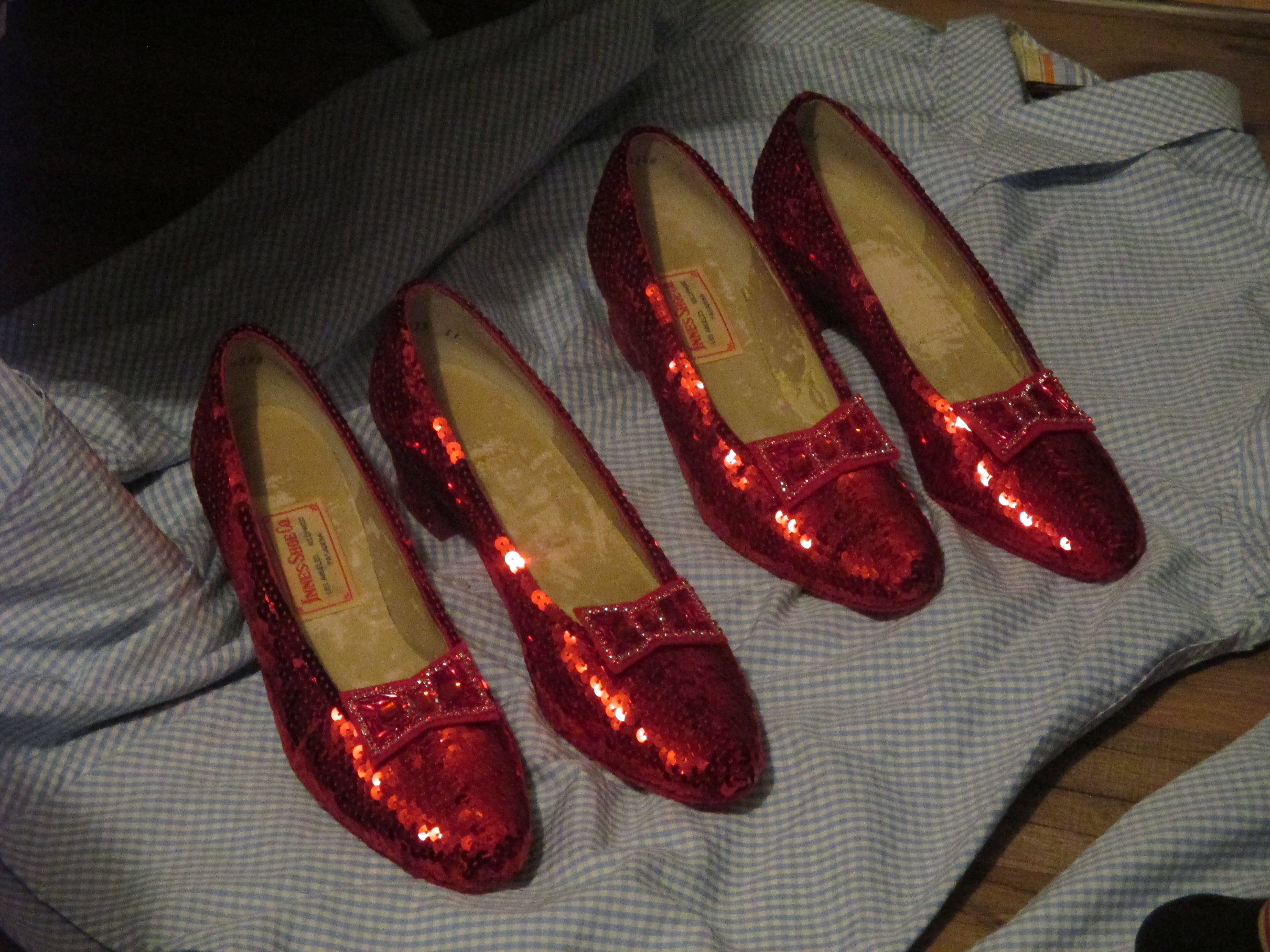 Replica ruby slippers The Wizard of Oz Judy Garland costume & Replica ruby slippers The Wizard of Oz Judy Garland costume | Billy ...