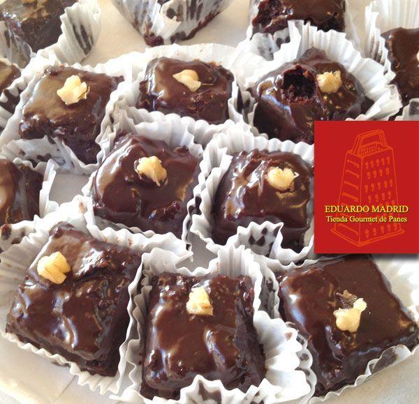 Cuadritos de Chocolate, un bocado dulce para los que gustan de una dosis explosiva y exquisita de chocolate #panaderia #eduardomadrid
