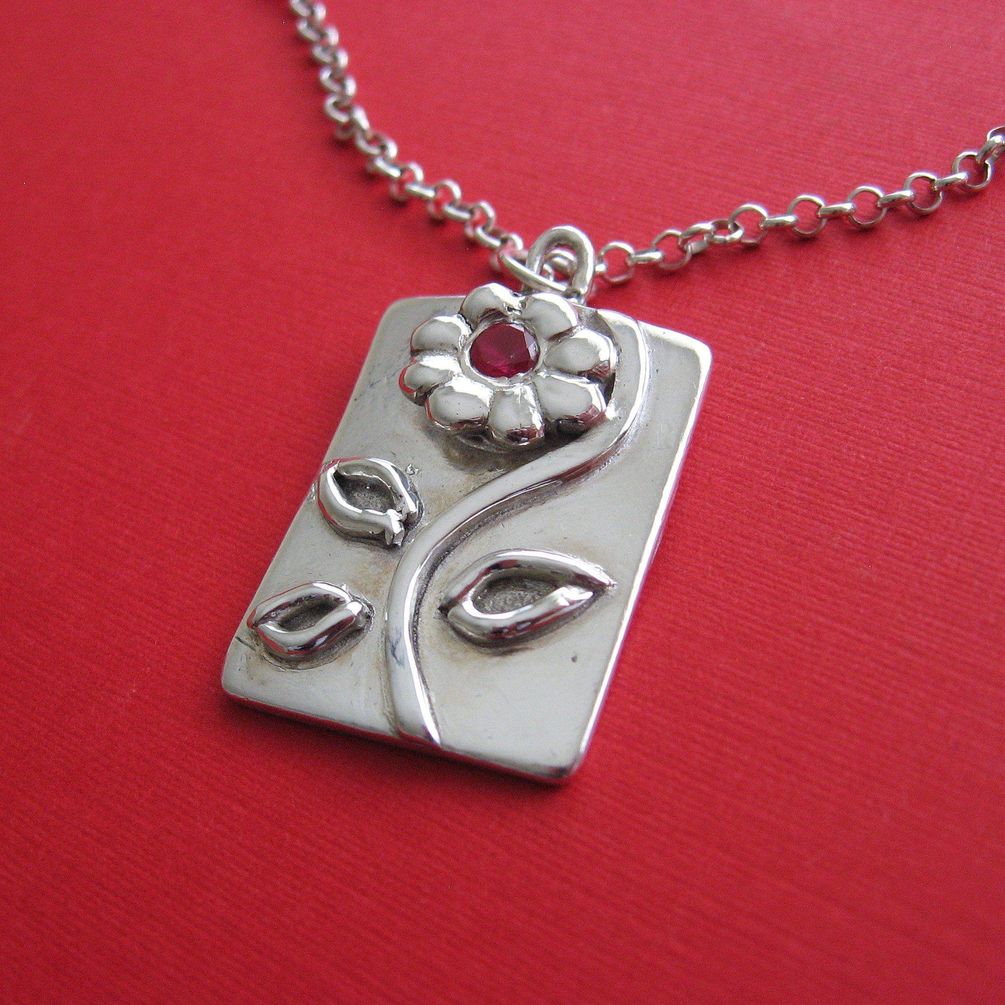 Silver pretty petals necklace thecraftstar handmade