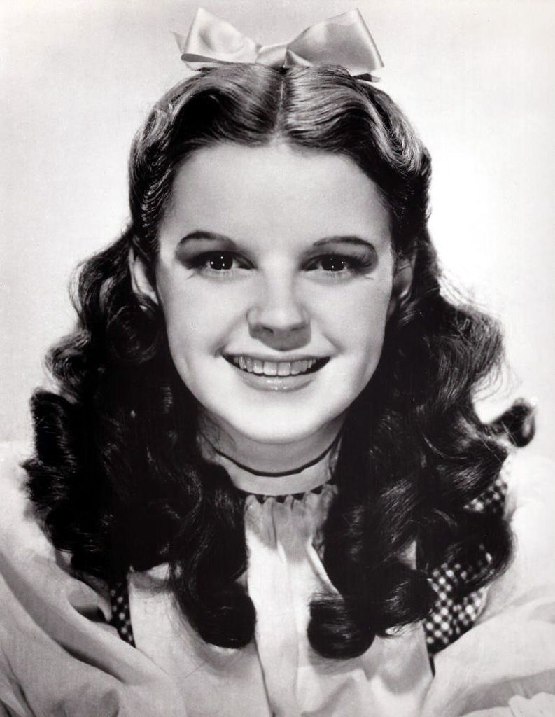 Judy garland played the lead role as dorothy gale in the for Dorothy gale