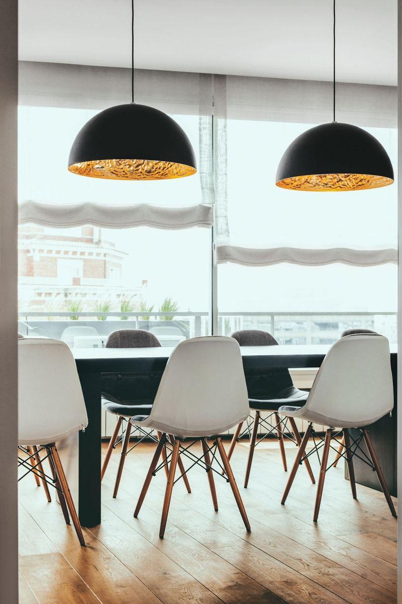 chesterfield sofa und einsatz von holz in moderner wohnung kombination mobel wandverkleidung esszimmer blografias holzboden wohnzimmer boden