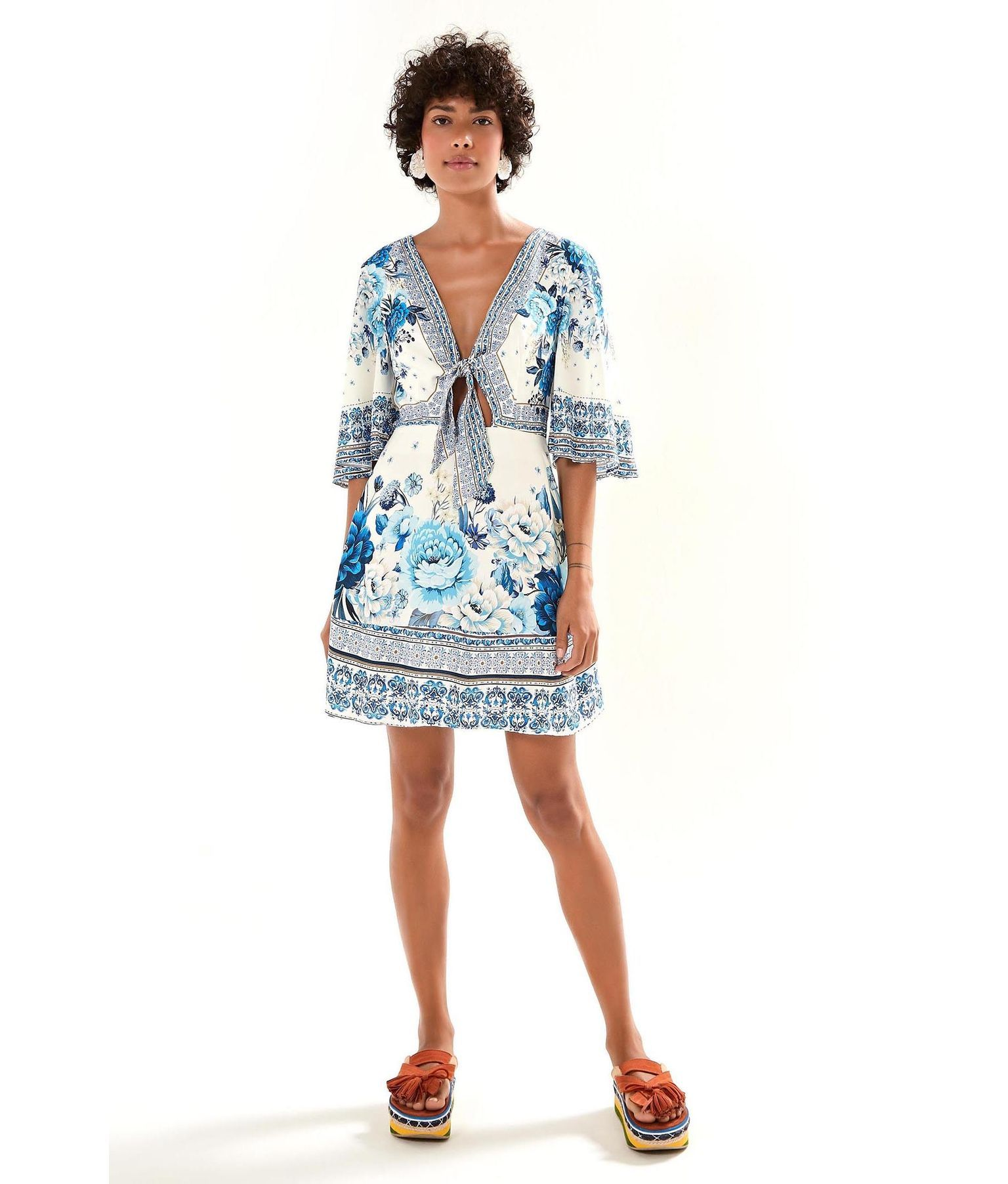 60703e2ea Vestido Laco Chita Azulejo Tudo sobre e-farm GANHE  DESCONTO + FRETE GRATIS  🦋