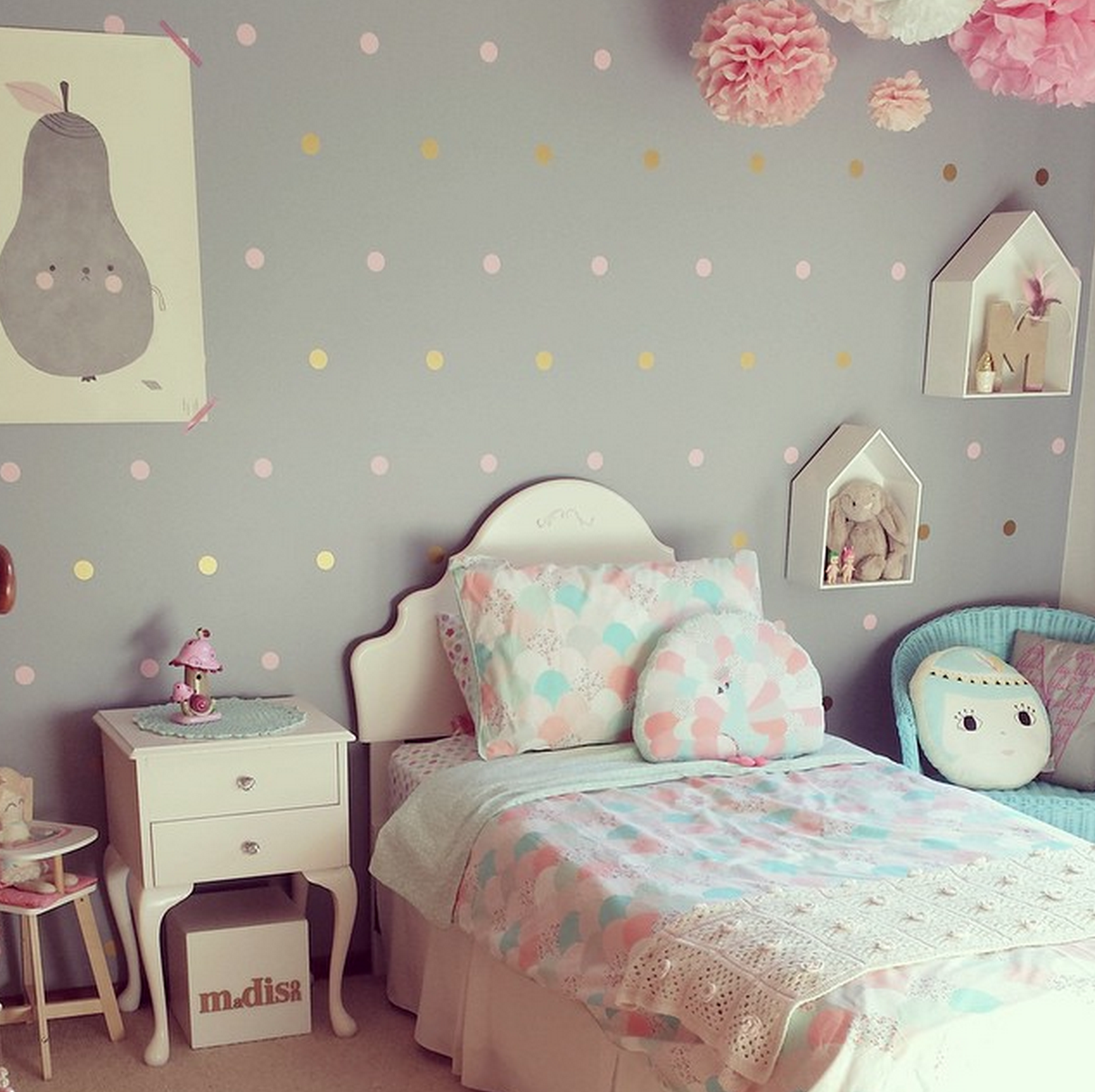 Parede cinza interior design girls pinterest for Dormitorios infantiles nina