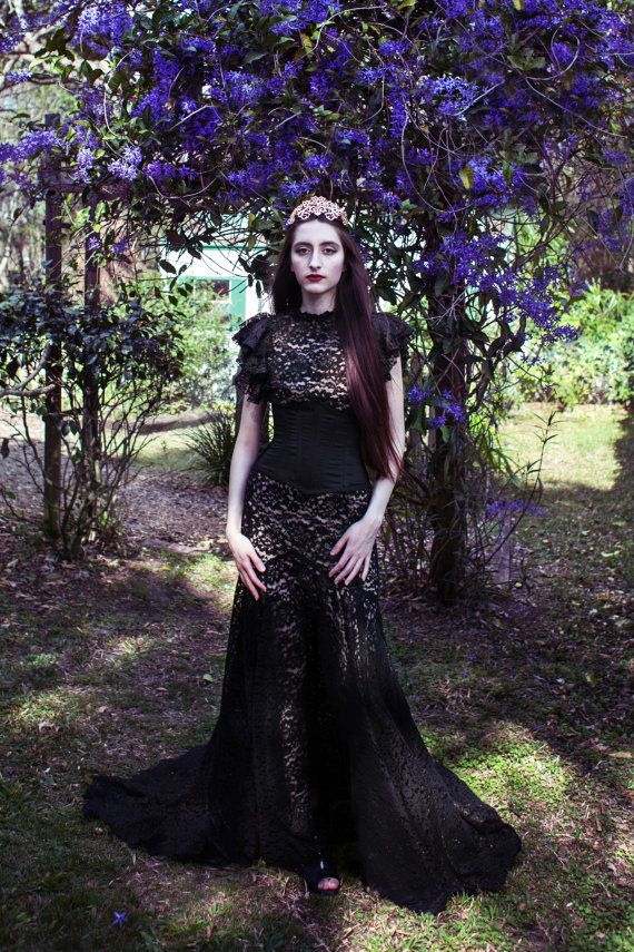 The lace on this Xiaolindesign Gothic Victorian black mermaid ...