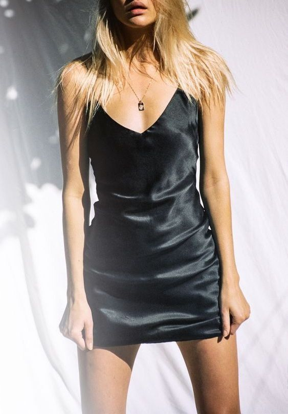 Pin By Carly Hester On Dresses Skirts And Shorts Fashion Clothes Little Black Dress