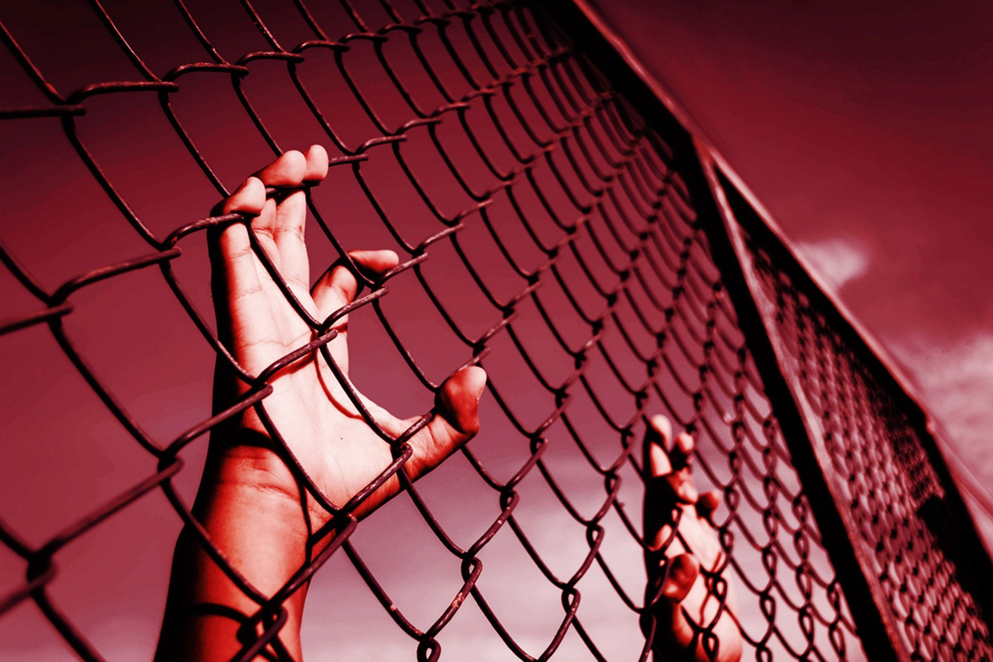 Detainees sue private prison for forced labor forced