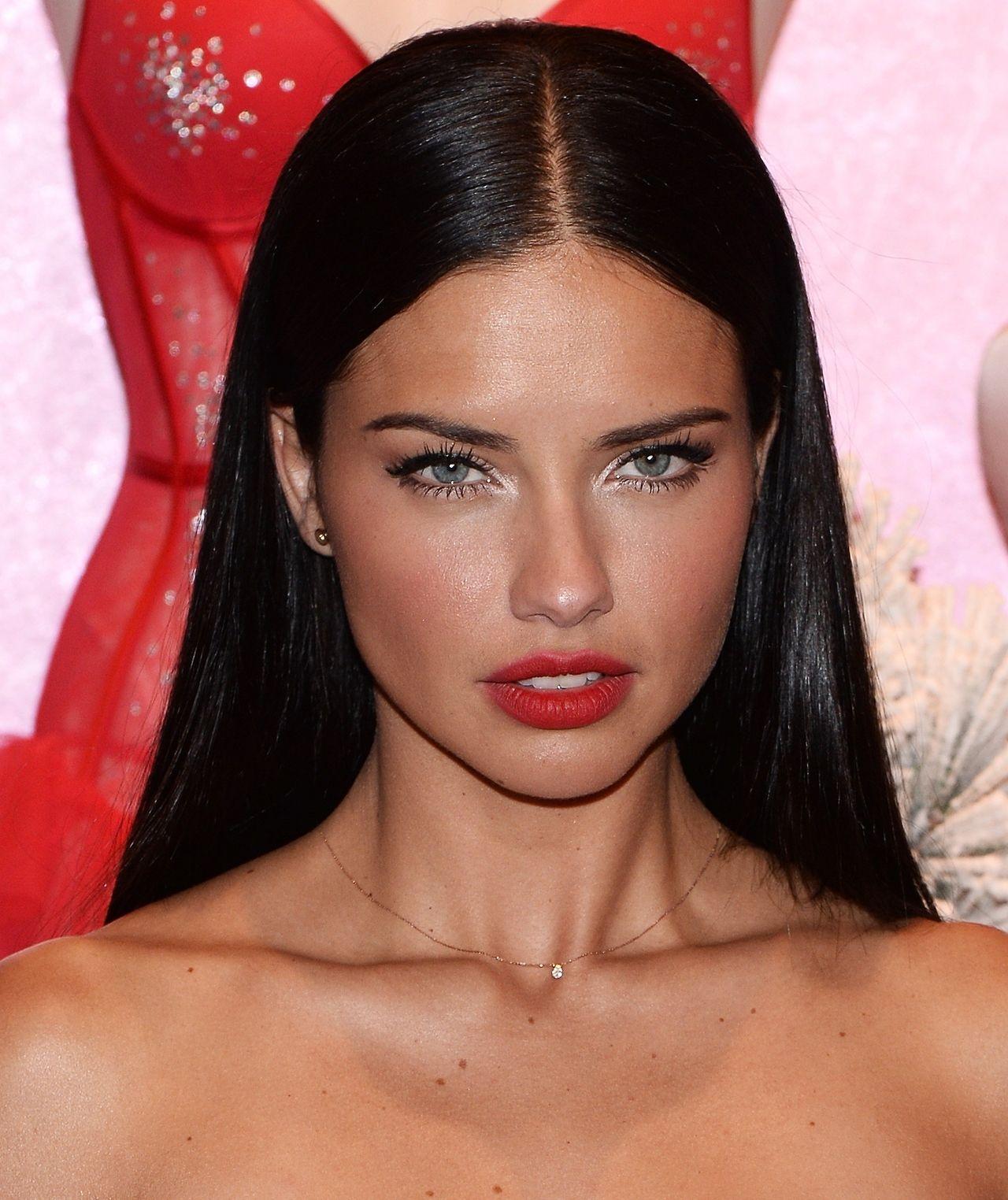 Diversión y halagos peinados lisos Imagen de cortes de pelo estilo - La decoración que viene   Peinados lisos, Belleza del ...