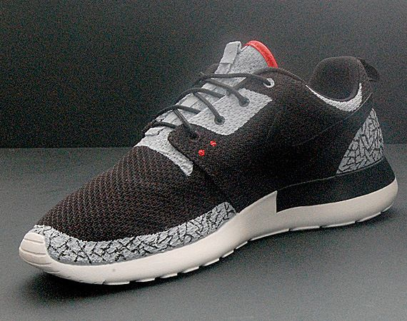 Unlike the tried and true method of customizing leather or canvas sneakers,  to personalize a pair Nike Roshe Run opens up a whole new set of challenges.