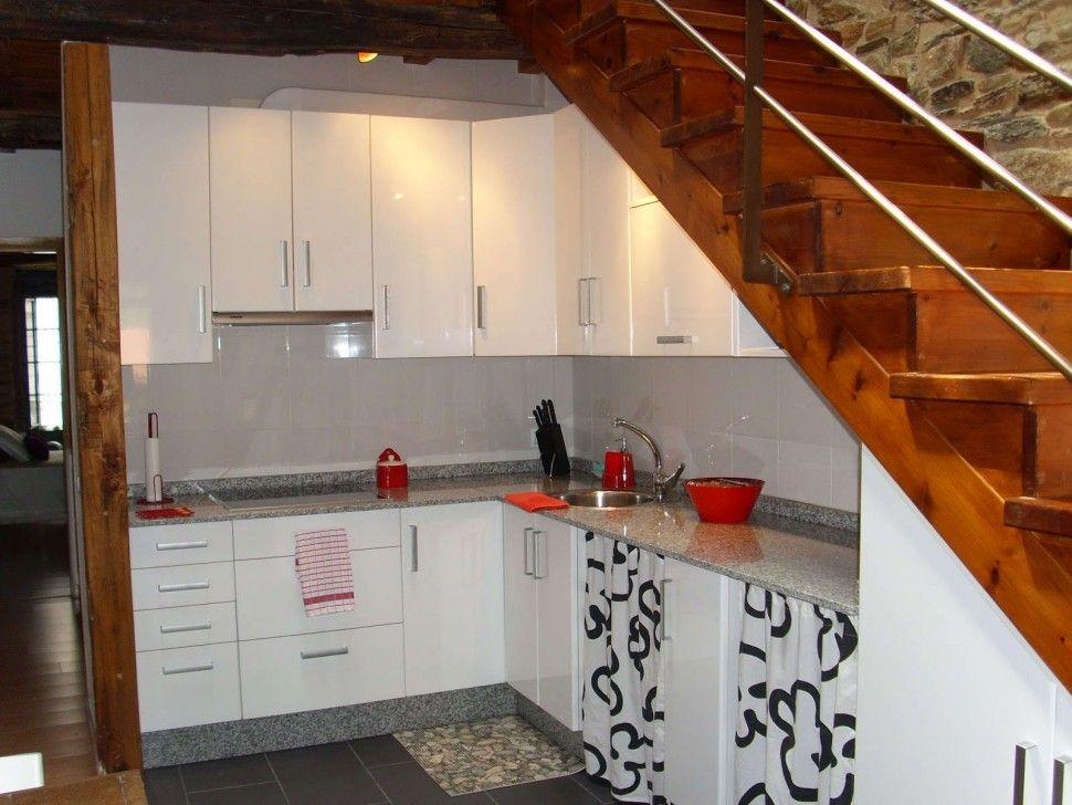 Best Kitchen Simple Kitchen Under Stair Decor With L Shape 400 x 300