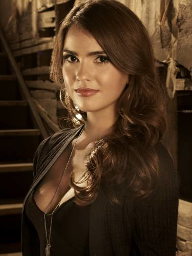 Shelley Hennig....I remember her as Diana on The Secret Circle. But I love her role as Malia Tate (a.k.a. Malia Hale) in Teen Wolf.