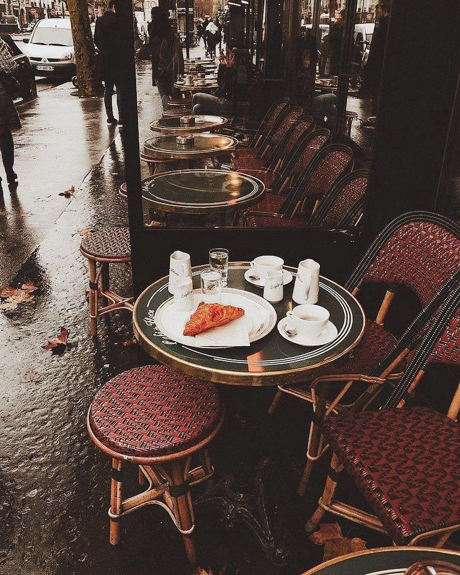 Deea Codrea On Instagram Ahh Ce Dor Imi E O Cafea Fierbinte O Ploaie Rece Un Croissant Cald Cu Unt Si Senzatia Aia De Parisian Cafe Paris Beautiful Places