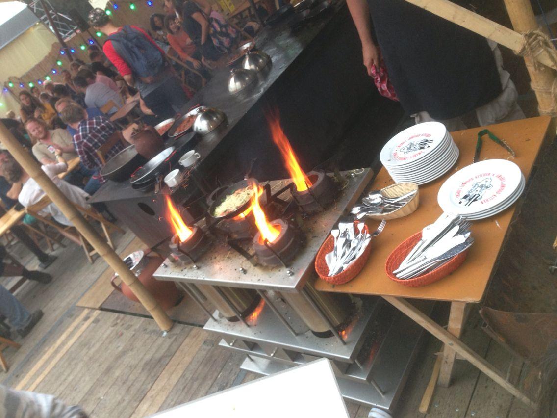 Vlammende grill op Lowlands 2014