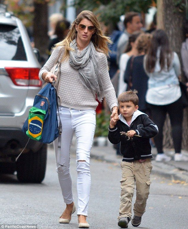 Gisele Bundchen and Bridget Moynahan chat at son's soccer