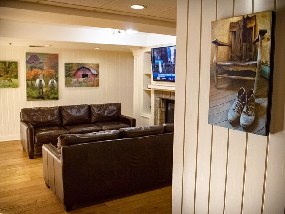 Come And Rest Awhile At The Lodge At Five Oaks In Sevierville