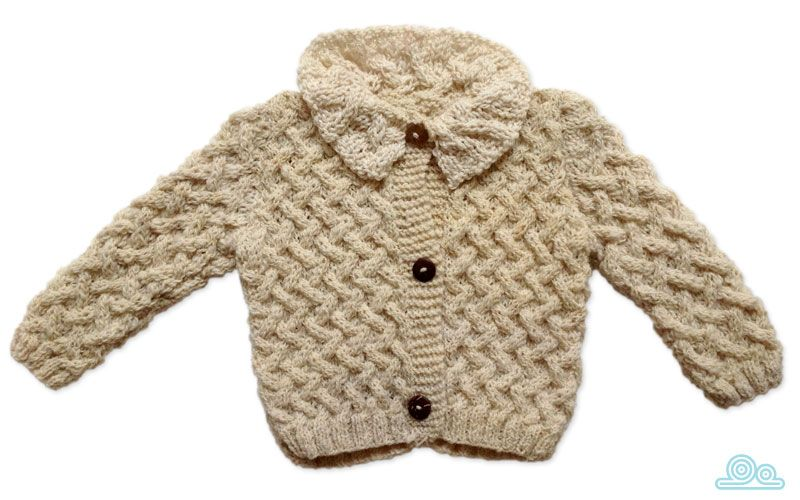Hand-knitted cardigan made of 100% eco wool with coconut buttons