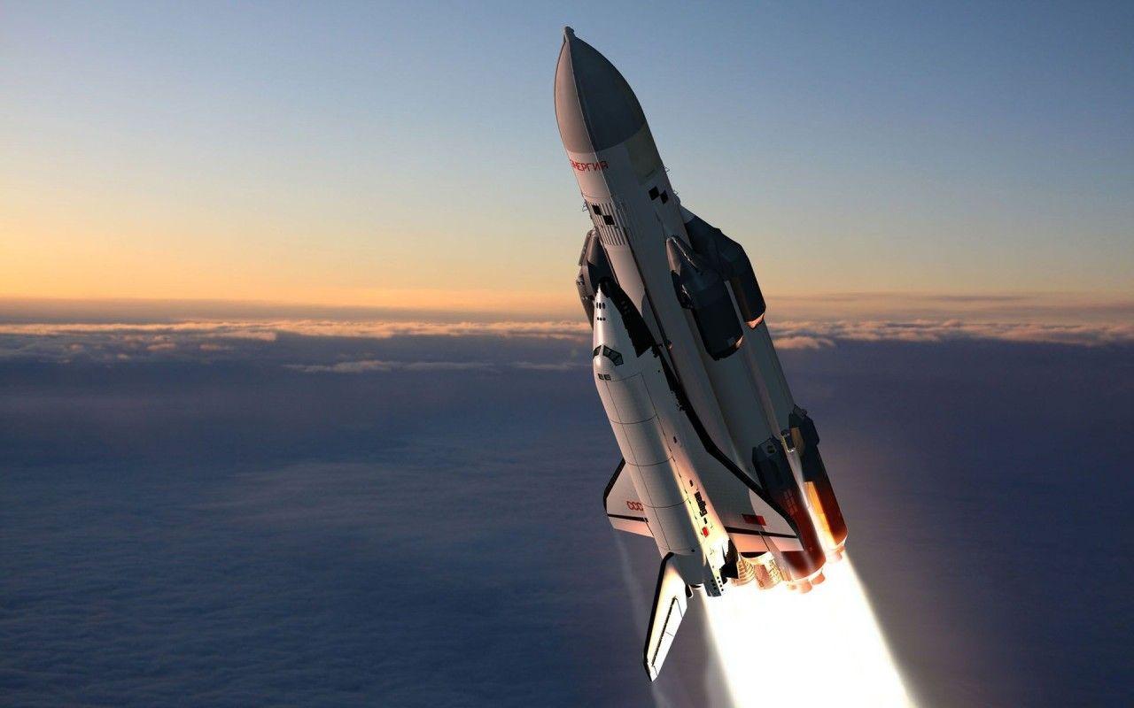 Energiya-Buran - Russian Space Shuttle http://www.planetvic.com/space/energiya-buran.html #space #shuttle #russia