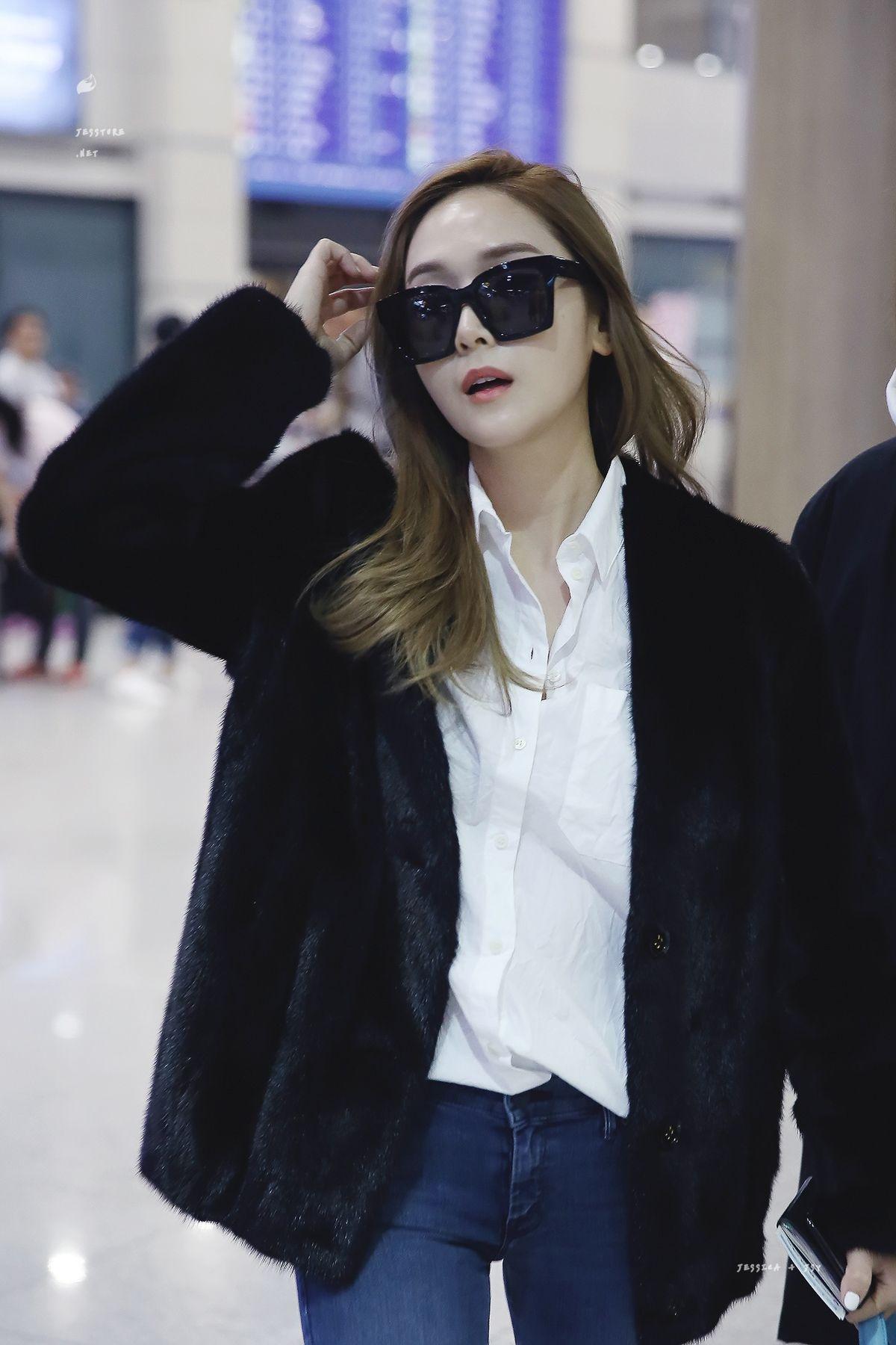Jessica Jung Airport Fashion 170215 2017 Snsd Airport Fashion Pinterest Jessica Jung