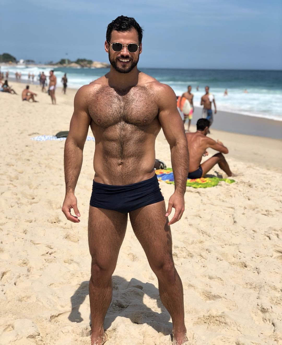 Bi latino jerking off muscle daddy
