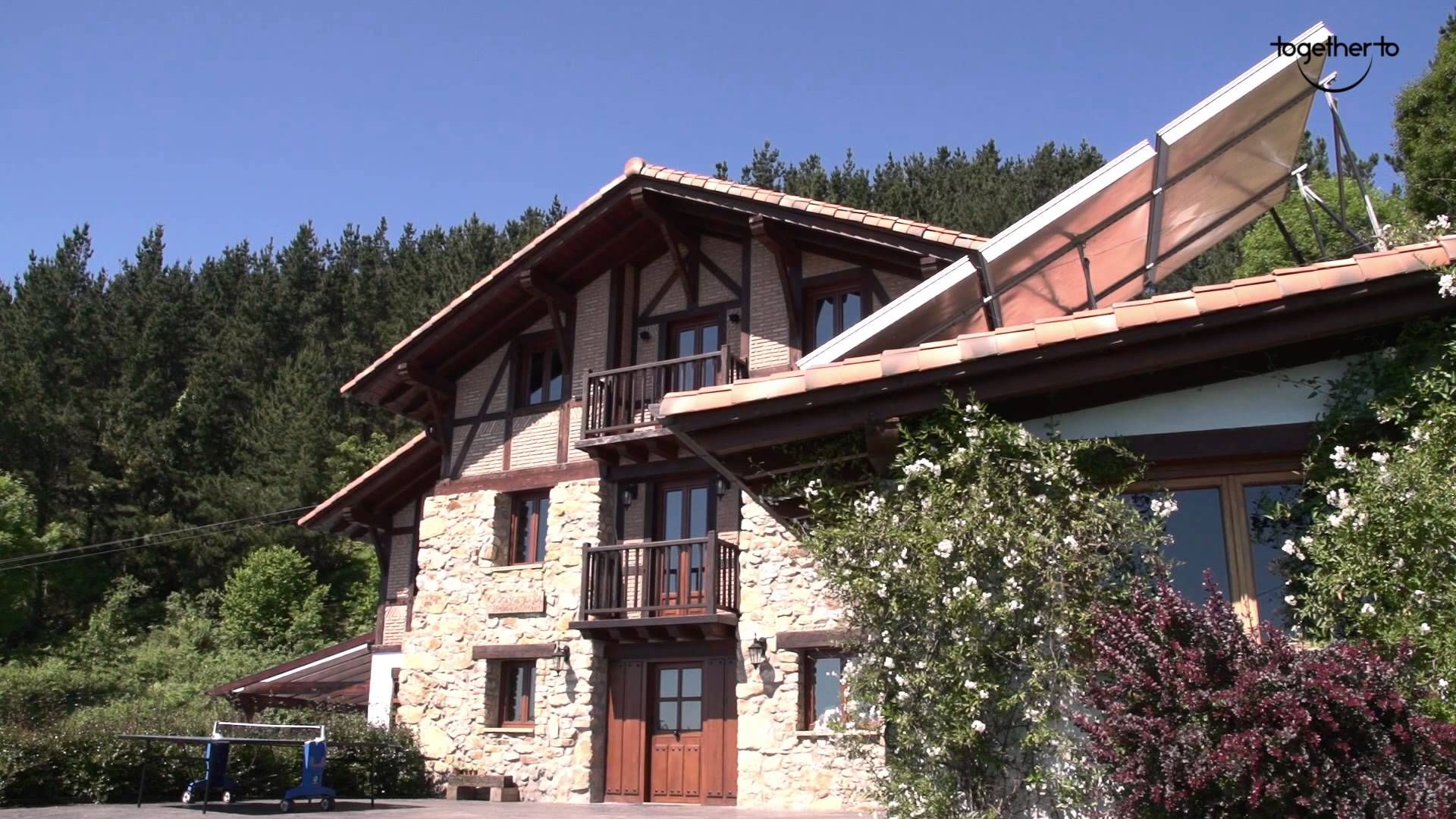 Casa rural Ogoñomendi En lo alto de pintoresco pueblo de Elantxobe, con las más espectaculares vistas que puedas imaginar.