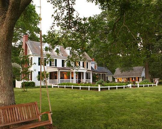 Country House I Would Love To Live In A Like This With Lots Of Land The City Type Places