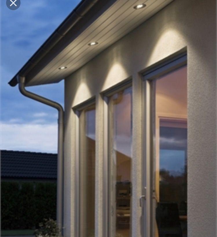 Led Lights In The Soffit Board Huis Buitenkant Veranda Verlichting Buitenkant Verbouwen