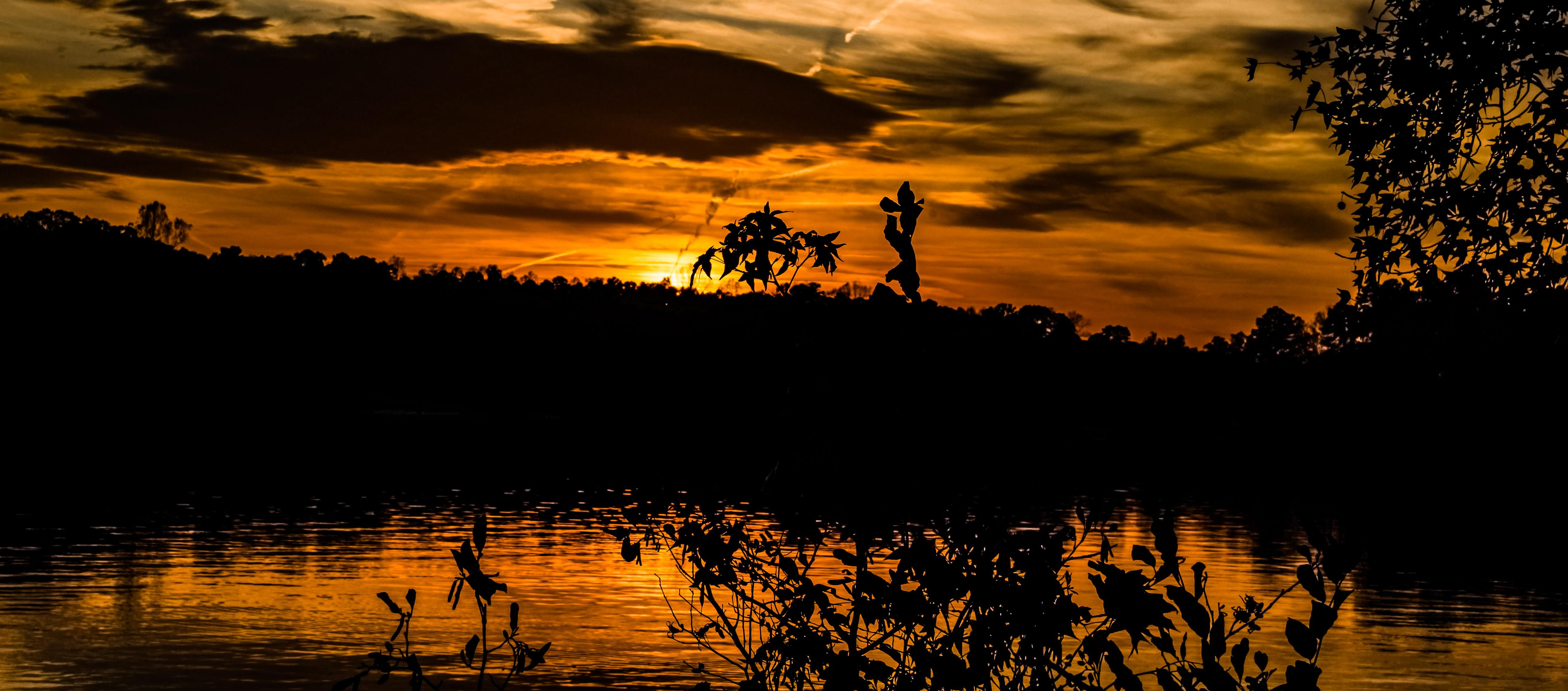 Sunset Over Mountain Island Lake In 2020 Island Lake Sunset Lake