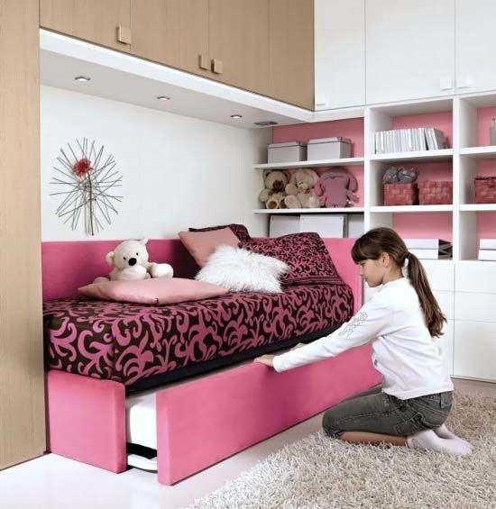 I like the pink behind the bookcases | Macie bedroom | Pinterest ...
