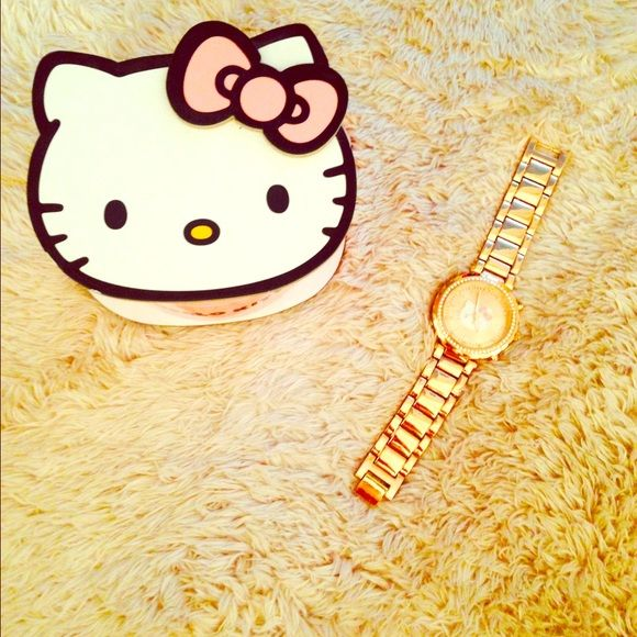 Hello Kitty Watch Never worn, still in box. 😻😻😻 comes with extra links if you need to make it larger. Hello Kitty Jewelry