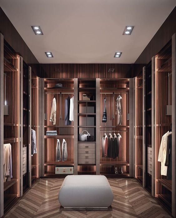 Fantastic Luxury Closets For Your Master Bedroom Luxuryclosets Luxuryfurniture Exclusivedesign Inter Dressing De Luxe Amenagement Dressing Dressing Maison