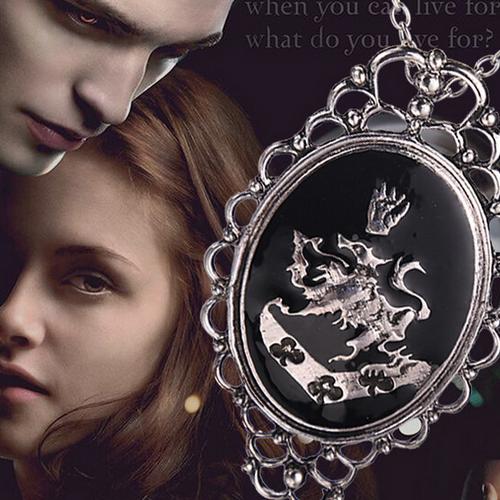 The Twilight Saga Neckl… | a anime, disney, movies, video ...
